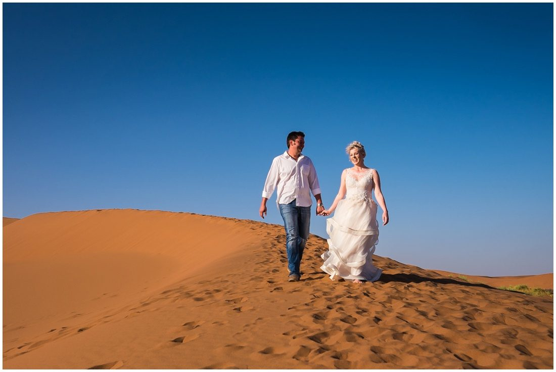 namibian wedding marienthal - rory & christa bride & groom sossusvlei-5