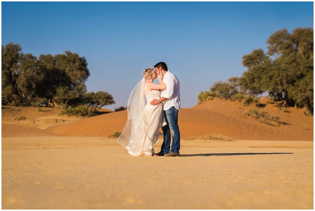namibian wedding marienthal - rory & christa bride & groom sossusvlei-7