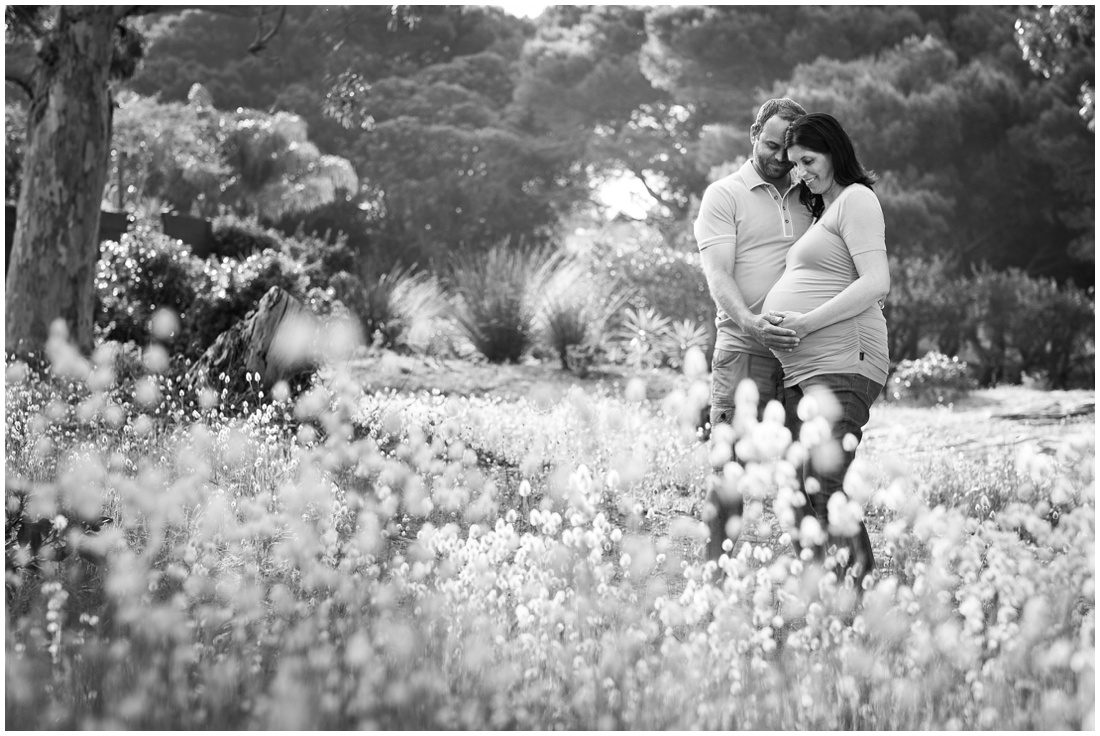 mosselbay-forest-studio-maternity-shoot-roelof-and-louise-exspecting-10