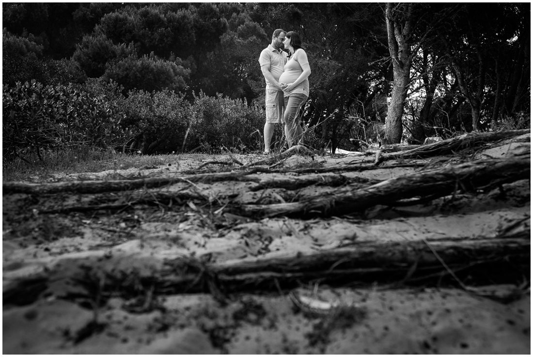 mosselbay-forest-studio-maternity-shoot-roelof-and-louise-exspecting-15