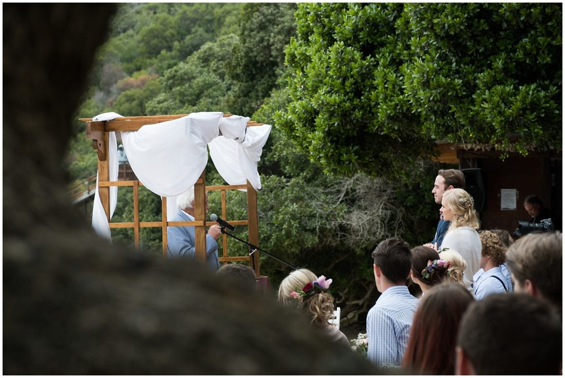 garden-route-knysna-featherbed-wedding-adriaan-and-lukie-ceremony-8