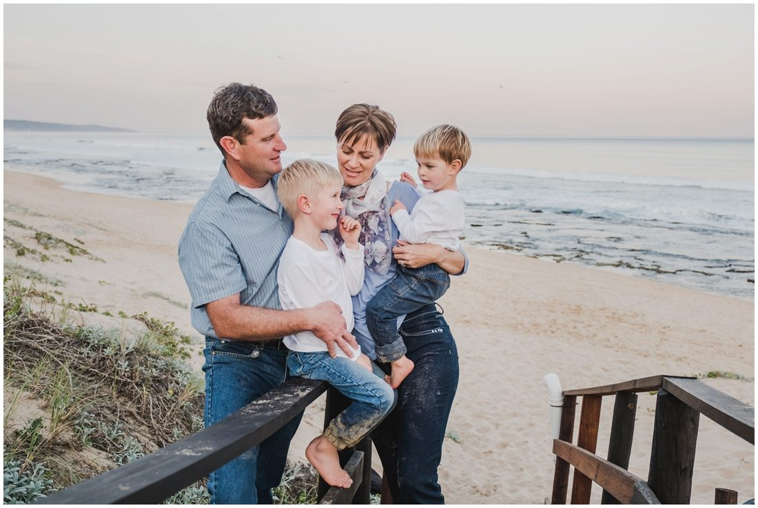 garden route beach portraits joubert family_0012