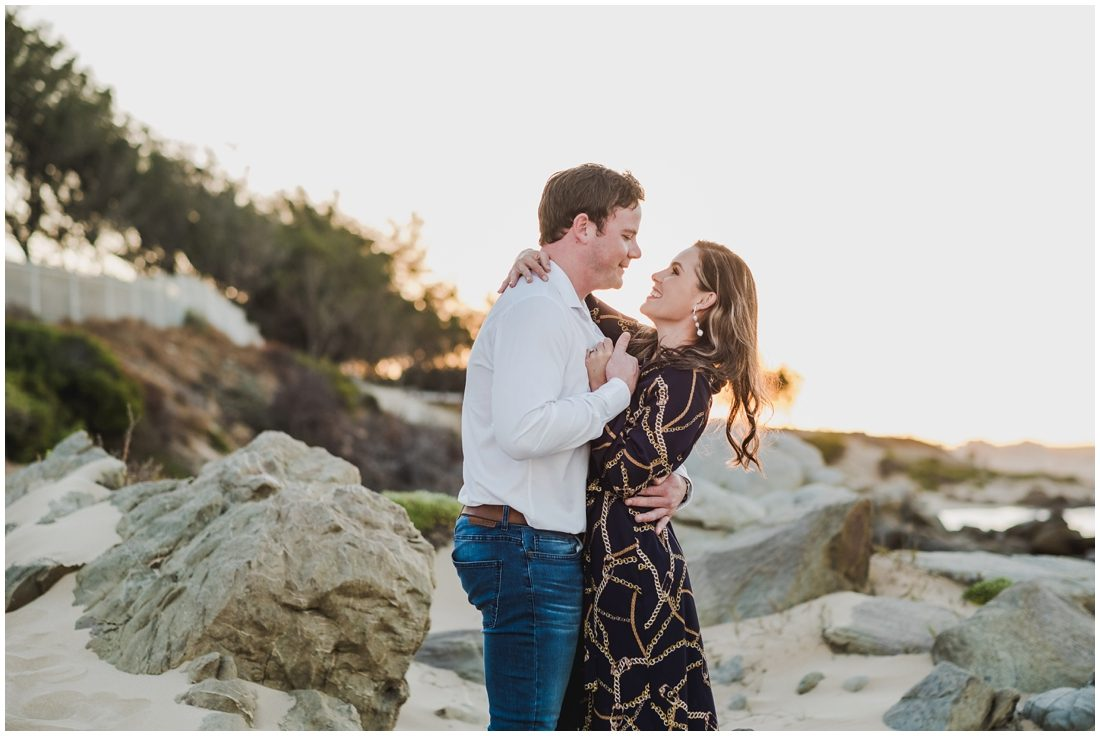 garden route mossel bay beach couple portraits peter and hancke_0007