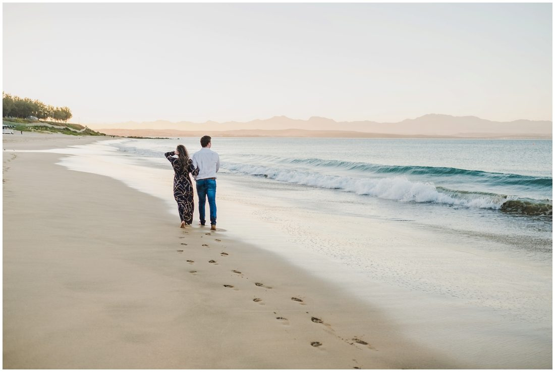garden route mossel bay beach couple portraits peter and hancke_0019