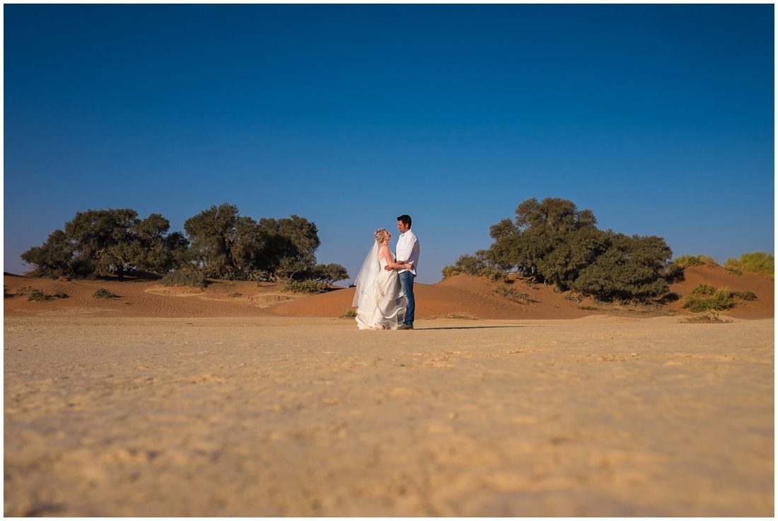 namibian wedding marienthal - rory & christa bride & groom sossusvlei-6