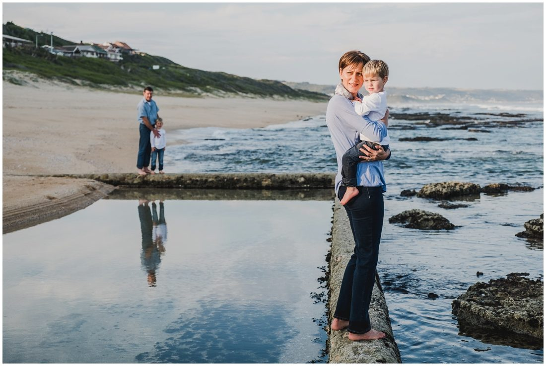 garden route beach portraits joubert family_0008